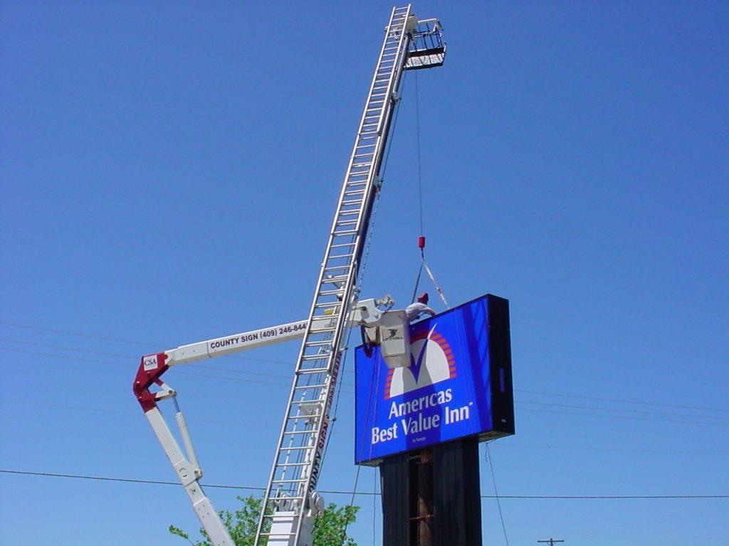 America's Best Value Inn - Pylon Sign