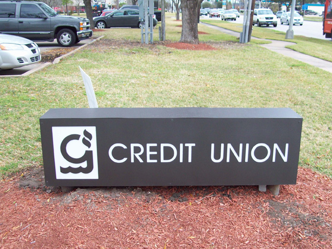Gulf Coast Educators Credit Union - Low Profile Monument Sign